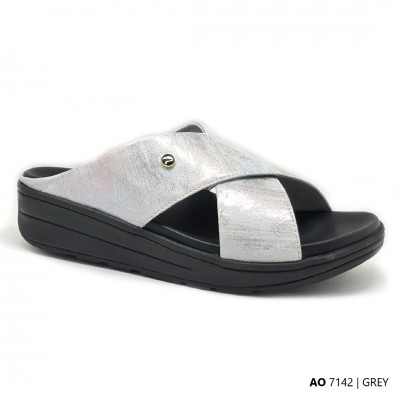D42 Model AO 7142 - Orthotic Sandals
